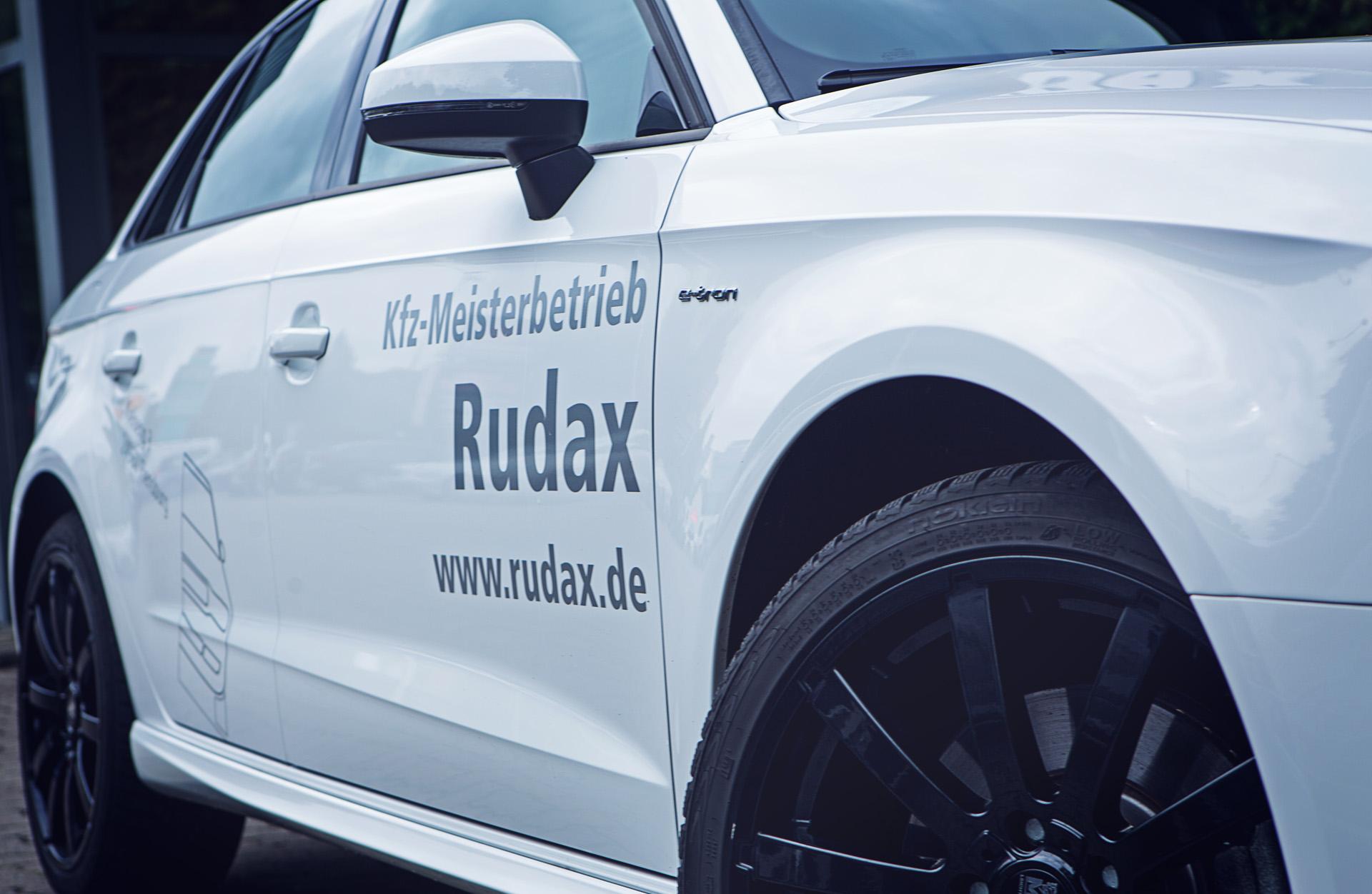 Rudax Mietwagen Nahaufnahme